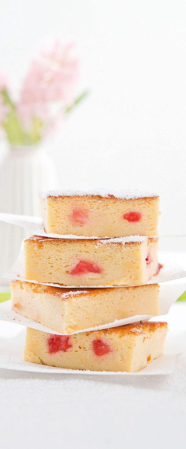 Frischer Joghurt Erdbeer Kuchen Mio
